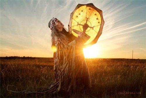 bilge şaman ve tamgalı  tavulu