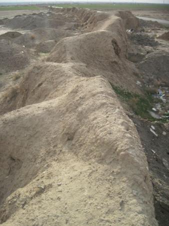 tus şehri duvar kalıntısı