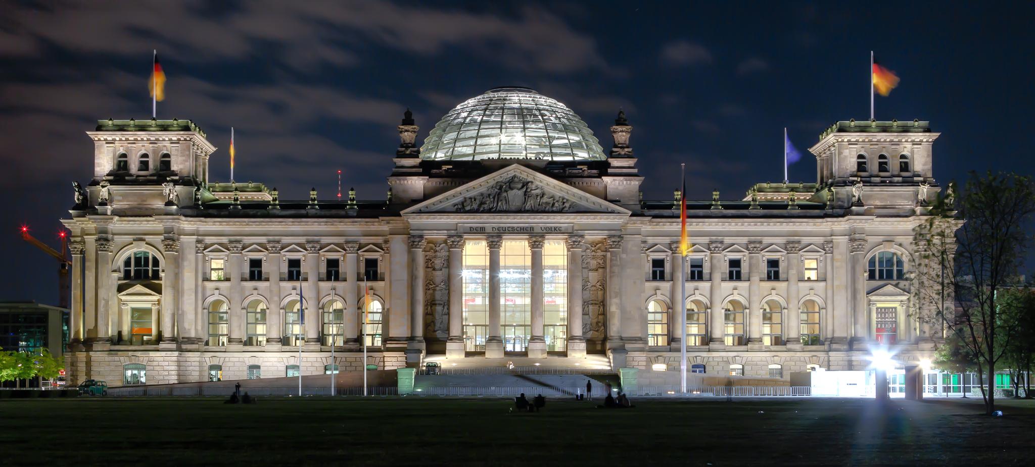 Reichstag- Almanya Berlin sarayı