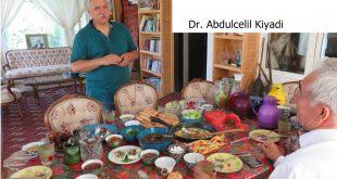 Türkmen Sahra … Türkmen Dr. Abdulcelil Ķiyadi  ve yiyecek ikramı..