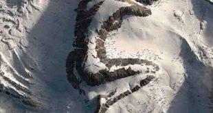"""Moğolistan'daki hayret edici yapı, kutsal """"Kıraliçe Tepesi"""""""